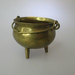 Tiny brass Cauldron